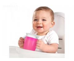 Mokomasis ir tiesiog patogus, neišsiliejantis puodelis